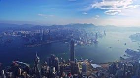 Bedöva flyg för panorama för surrcityscape flyg- över modern skyskrapa lager videofilmer