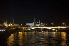 Bedöva panorama- nattsikt av Moskva i Kreml, Ryssland Arkivfoto