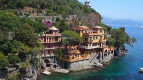 Bedöva panoramautsikt på den härliga italienska fjärden av Portofino stock video