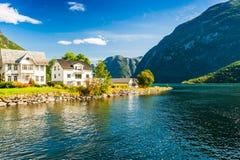 Bedöva sikter av fjorden Länet av mer og Romsdal norway Royaltyfri Bild