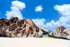 Bedöva stranden på karibiskt Arkivbilder