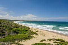 Bedöva strandsikt på den Boggoms fjärden Royaltyfri Bild