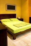 bed dubbel green arkivbild