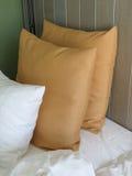 Bed en hoofdkussensdetail Stock Fotografie