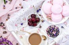bed frukostromantiker övre sikt Royaltyfri Fotografi