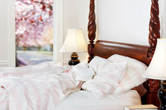 Bed with note on the pillow Royalty Free Stock Image