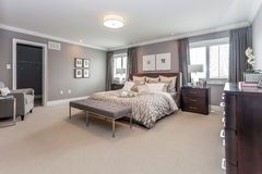 Bed room. A beautiful view of a bed room Royalty Free Stock Photos
