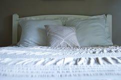 bed white Royaltyfri Foto