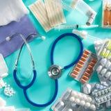 Bedecken Sie pharmazeutisches Material der medizinischen Pillen mit Blasen Lizenzfreies Stockbild