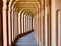 Bedeckte Säulenhalle, Bologna lizenzfreies stockbild