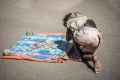 Bedelaar in de straten van Addis Ababa Royalty-vrije Stock Foto's