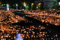 Bedevaart aan Lourdes - nacht royalty-vrije stock afbeelding