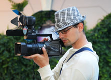 Bediener mit einer Videokamera Lizenzfreie Stockbilder