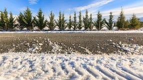 Bedingung der vereisten Straße im Winter lizenzfreies stockbild