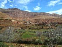 Bedouin dorpen in atlasbergen in Marokko royalty-vrije stock foto's
