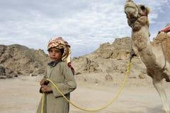 Bedouin jongen stock foto's