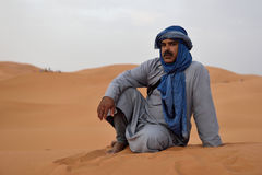 Bedouin man wears traditional clothing in Sahara desert Stock Photography