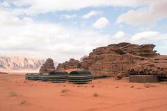 Bedouin toeristisch kamp in Wadi Rum Desert, Jordanië royalty-vrije stock afbeeldingen