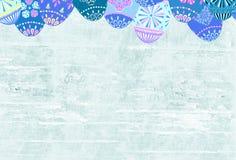 Bedrövat gammalt slitet trä texturerade bakgrund dekorerade påskägg royaltyfria foton