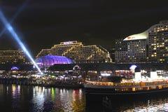 Bedårande hamn på natten, Sydney, Australien Royaltyfri Bild