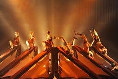 Bedrijf van de Kataklò het acrobatische dans bij het theater royalty-vrije stock foto's