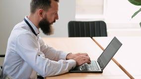 Bedrijfs communicatie projectleider e-mail stock videobeelden