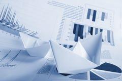 Bedrijfs concept, document boot en documenten stock fotografie