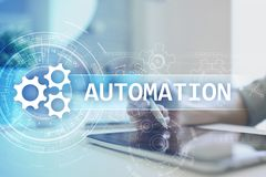 Bedrijfs en van het productieproces Automatisering, de slimme industrie, innovatie en modern technologieconcept royalty-vrije stock foto's