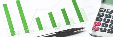 Bedrijfs grafiek die financieel succes toont royalty-vrije stock foto's