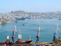 Bedrijfs ladings Russische haven Vladivostok Royalty-vrije Stock Afbeeldingen