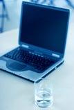 Bedrijfs laptop Stock Foto's