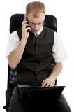 Bedrijfs mens die met laptop werkt Stock Fotografie
