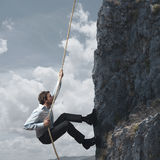Bedrijfs mens en berg stock fotografie