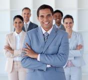 Bedrijfs mens met zijn team Royalty-vrije Stock Foto's