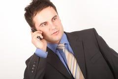 Bedrijfs mens op mobiele telefoon royalty-vrije stock afbeelding