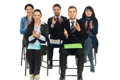 Bedrijfs mensen bij conferentie het toejuichen Stock Fotografie