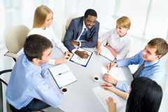 Bedrijfs mensen die samenwerken. Stock Foto's