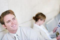 Bedrijfs mensen en glimlachen Royalty-vrije Stock Foto's