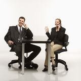 Bedrijfs mensen met telefoons Royalty-vrije Stock Foto's