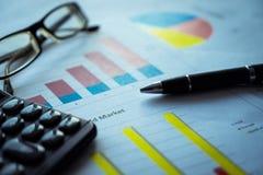 Bedrijfs samenstelling Financiële analyse - inkomensverklaring, businessplan royalty-vrije stock foto's