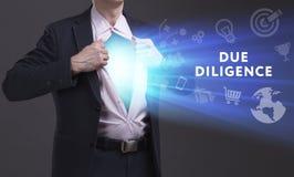 Bedrijfs, Technologie, van Internet en van het netwerk concept De jonge zakenman toont het woord: Gepaste ijver stock foto