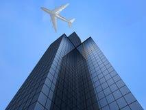 Bedrijfs toren en vliegtuig Royalty-vrije Stock Afbeeldingen