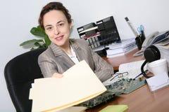 Bedrijfs Vrouw in Bureau Stock Afbeelding
