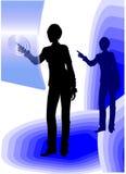 Bedrijfs vrouw die het aanrakingsscherm met behulp van Royalty-vrije Stock Foto
