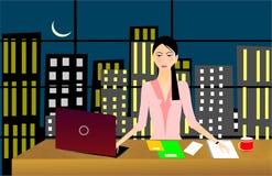 Bedrijfs vrouw die laat - nacht werkt Royalty-vrije Stock Fotografie