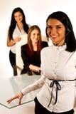 Bedrijfs vrouw die met hoofdtelefoon 3 werken Stock Fotografie