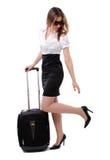 Bedrijfs vrouw die op haar vlucht wacht Royalty-vrije Stock Afbeelding