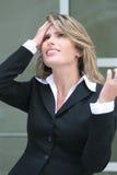 Bedrijfs Vrouw die over Economische Crisis ongerust wordt gemaakt Stock Fotografie