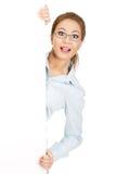 Bedrijfs vrouw die uw product voorstelt Stock Afbeeldingen