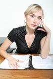 Bedrijfs Vrouw in een Bureau Stock Afbeelding